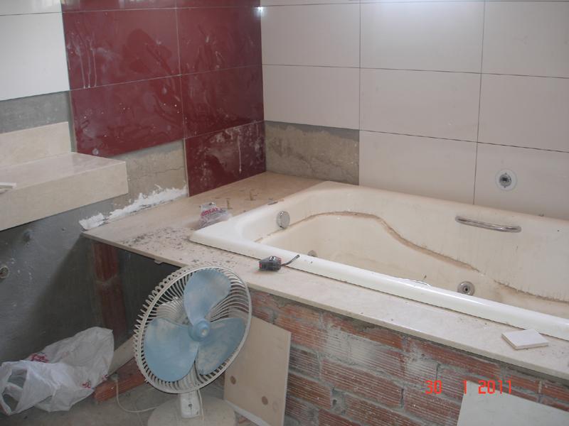 piso  Em construçãoCasa Nova! -> Banheiro Com Chuveiro Na Banheira