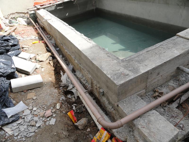 E a piscina em constru o casa nova for Esquema hidraulico piscina